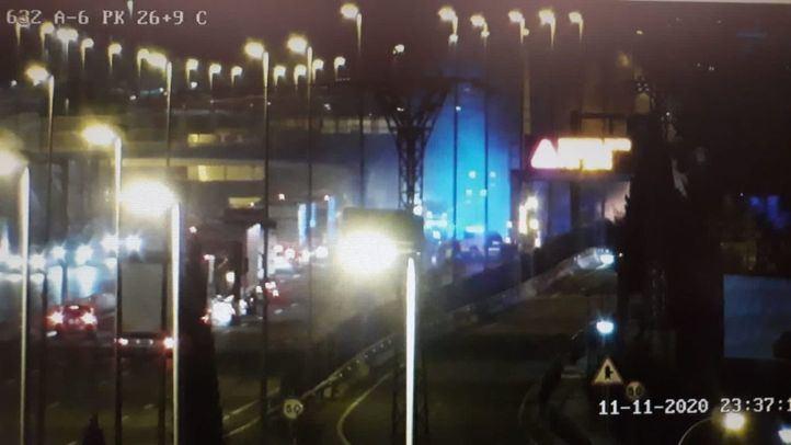 Imagen de las retenciones provocadas por el camión incendiado