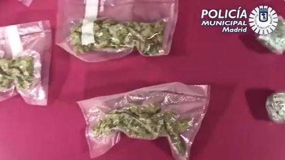 Detenido por 'trapichear' con marihuana desde su vehículo