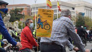 Una 'bicifestación' pide una apuesta decidida a favor de la bicicleta en Madrid