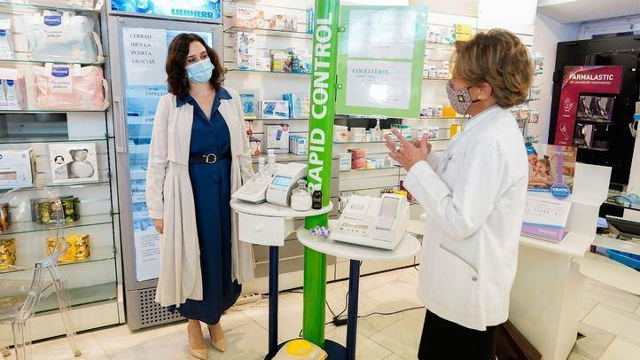 Ayuso pide a la UE que valide la realización de test de antígenos en las farmacias
