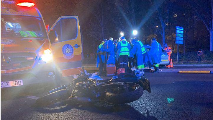 Heridos dos jóvenes en un accidente de motocicleta en Fuencarral