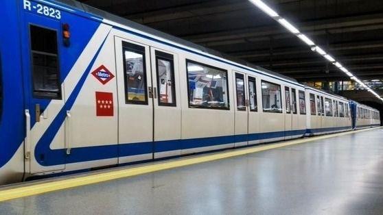 La asistencia a un viajero interrumpe la circulación en un tramo de la línea 6 de Metro