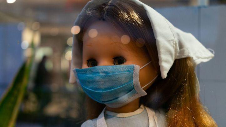 Una exposición recoge la historia de los 52 años de la muñeca Nancy