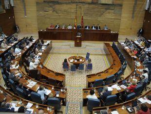 Los grupos parlamentarios no han recibido invitación a la inauguración del Zendal