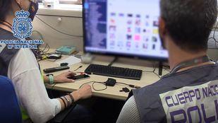 Imágenes del ordenador de un hombre que supuestamente agredió sexualmente a su hija durante tres años y secuestrala para cobrar el rescate