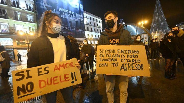 'Si es amor, no duele': colectivos juveniles cierran en Sol el 25N
