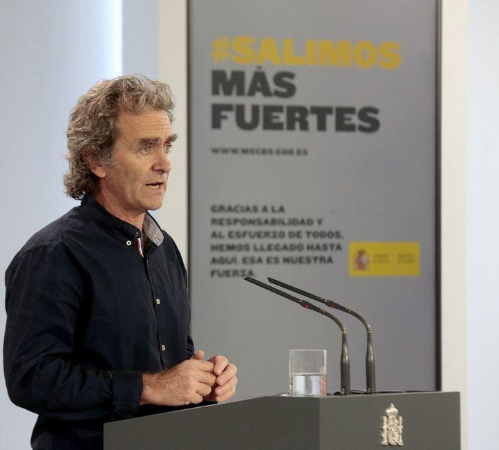 Fernando Simón felicita a Madrid por la buena evolución de la pandemia en la región
