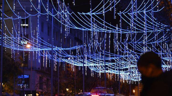 Madrid enciende la Navidad con 10 millones de luces 'de esperanza'