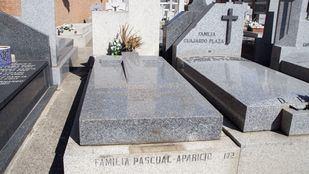 Tumba de Rafaela Aparicio