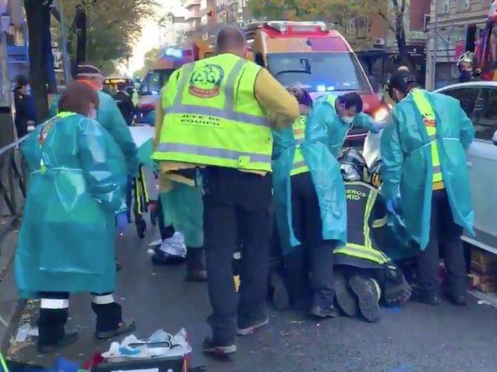 Herido un ciclista al ser arrollado en plena calle Alcalá
