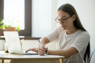 Lo que necesitas saber sobre los cursos homologados de las Oposiciones docentes de 2021