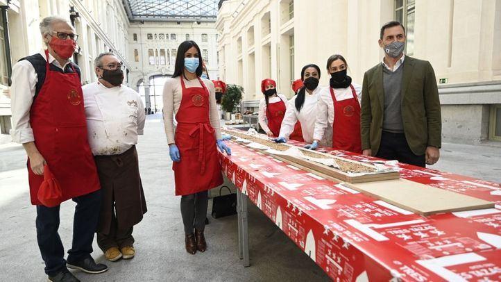 Madrid elabora el turrón de chocolate más largo del mundo