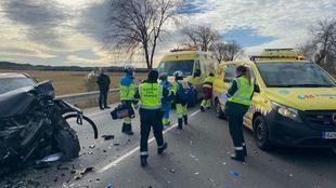 Muere un motorista en un accidente entre un turismo y dos motocicletas en la M-506