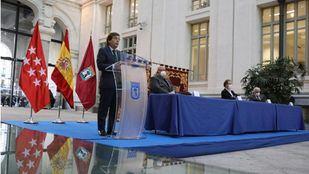El alcalde de Madrid, José Luis Martínez-Almeida, firma el Plan de Empleo 2020-2023 con los sindicatos y la patronal.