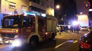 Bomberos de Alcorcón sofocan un incendio en una cocina que deja cuatro intoxicados leves