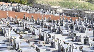 El cementerio de La Almudena durante el Día de todos Los Santos