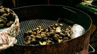 Los castañeros devuelven el aroma a invierno a Madrid