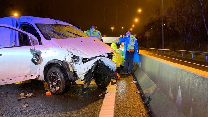 Herido grave tras chocar su furgoneta contra la mediana