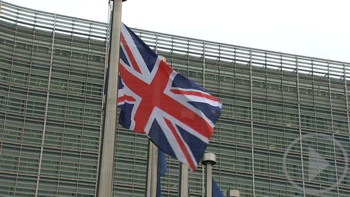 La UE y Reino Unido seguirán negociando hasta el 31 de diciembre