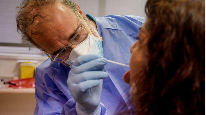 La mujer detenida por falsificar certificados de PCR, en libertad