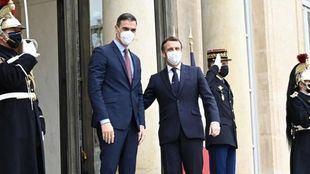 Sánchez, en cuarentena tras el positivo de Macron