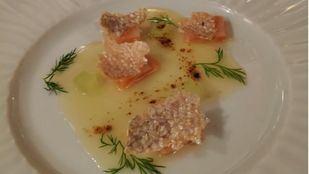 Bombón de paté de codorniz y salmón marinado con cítricos: platos de la 8º cena solidaria 'Te invito a cenar'
