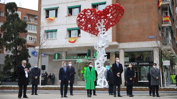 El árbol de la vida: la escultura que recuerda a los sanitarios fallecidos por el Covid