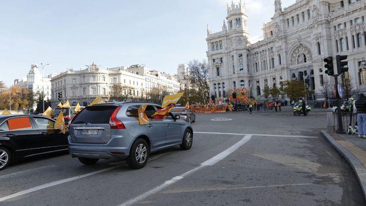 La concertada vuelve a llenar de coches el Paseo de la Castellana contra la Ley Celaá