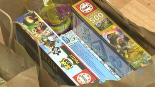 Cruz Roja regala juguetes inclusivos a niños en riesgo de exclusión social