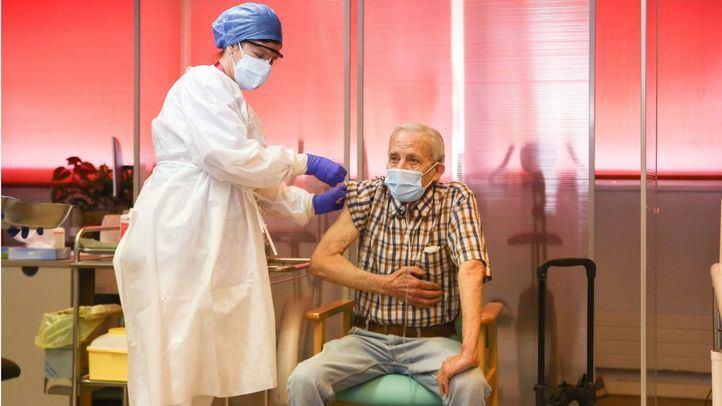 Nicanor, primer madrileño vacunado en la Comunidad