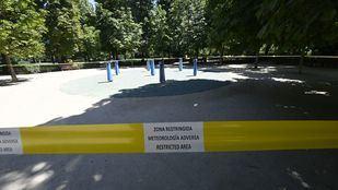 El Retiro y otros 8 parques, balizados por condiciones meteorológicas adversas