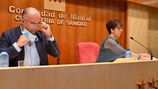 El viceconsejero de Sanidad, Antonio Zapatero, y la directora de Salud Pública de la Comunidad de Madrid, Elena Andradas