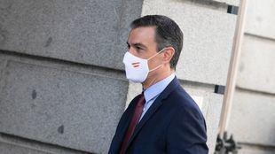 Sánchez promete que 'muy pronto habrá más españoles vacunados que contagiados' de Covid-19