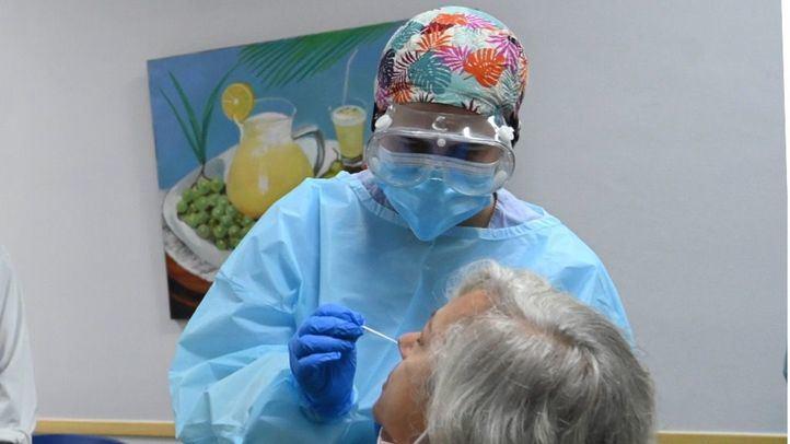 El Gobierno central estudiará que las mutuas hagan test de antígenos