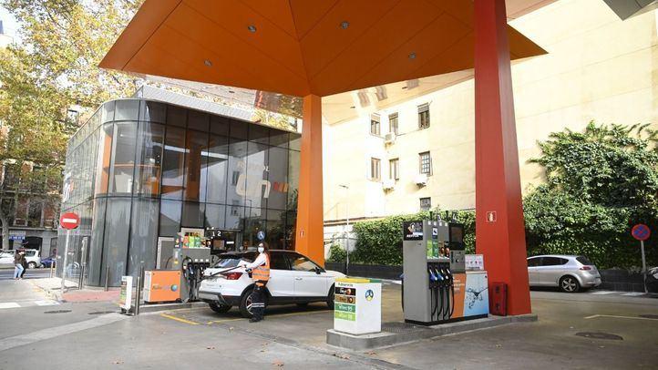 Suben los precios de gas y carburantes contra la bajada en luz