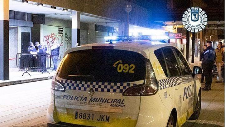 La Policía Local desaloja en Vallecas una discoteca por incumplir la normativa sanitaria
