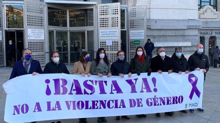 Minuto de silencio en Cibeles, sin Vox, por la mujer asesinada por su pareja en Torrejón