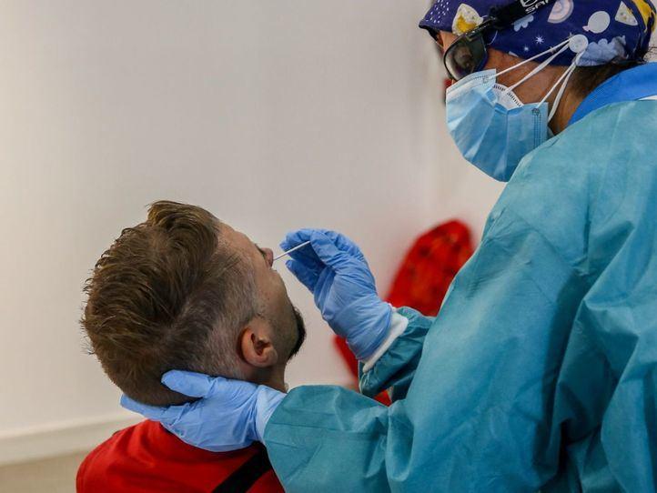 Ya son 16 los casos confirmados de la cepa británica del coronavirus en Madrid y 70 posibles en estudio