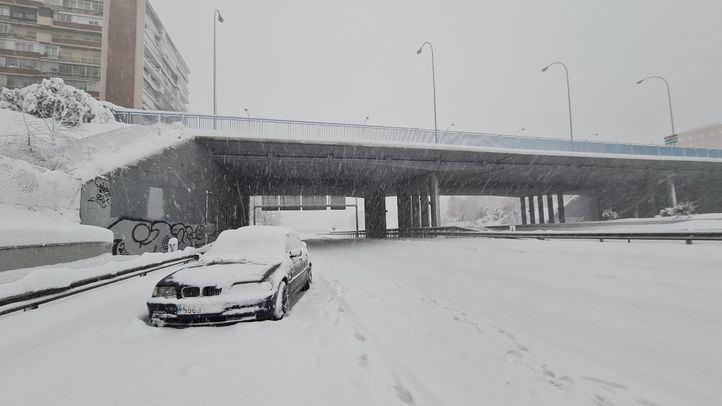La nieve tiñe de blanco Madrid