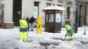 Estas son las calles cortadas y las vías limpias de nieve