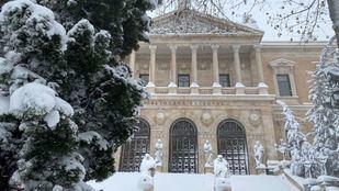 La fachada de la Biblioteca Nacional el día de la intensa nevada.