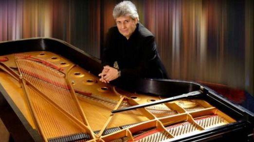 El mejor homenaje a Astor Piazzolla... el que le ofrece el excepcional pianista Mario Parmisano