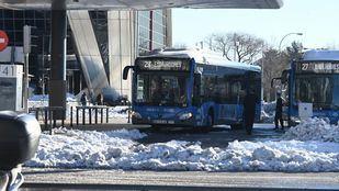 La red de transporte restablece poco a poco más servicios