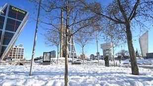 Madrid despeja de nieve 1.374 kilómetros de sus calles