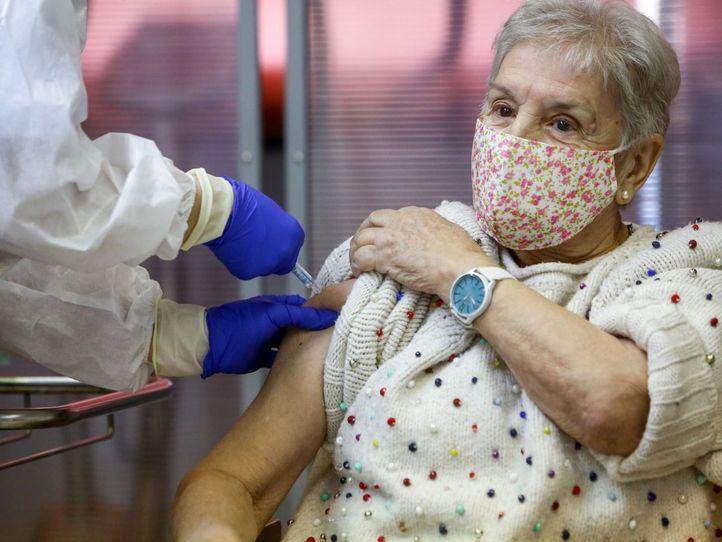 Restringidas salidas y visitas a residencias durante ocho semanas por la vacunación
