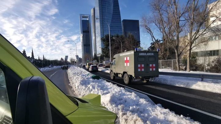 Summa, UME y Policía Nacional colaboran para trasladar a un hombre al hospital
