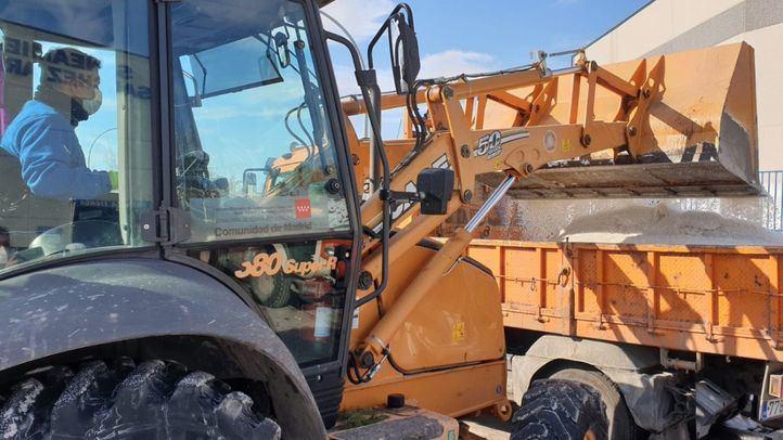La Comunidad habilita una abonadora de 5.000 kilos de sal para desbloquear Aranjuez