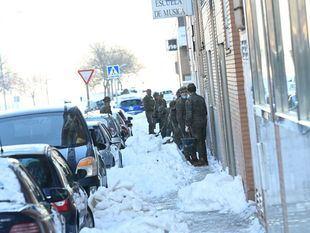 Madrid desplegará el domingo 200 baldeadoras para deshacer la nieve de las aceras