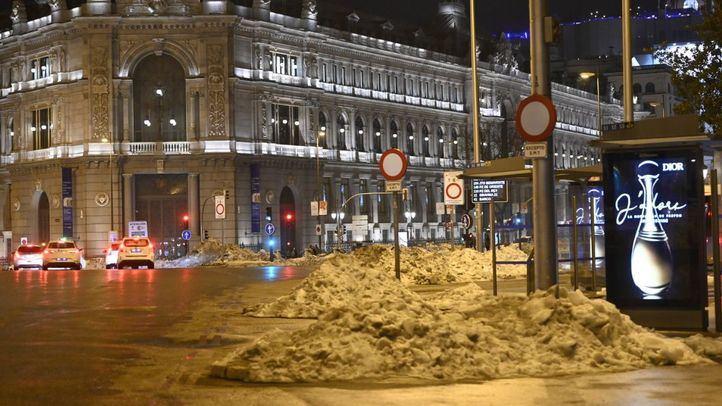 Madrid se va recuperando: la EMT opera 96 líneas y 2.100 kilómetros de calles están despejadas