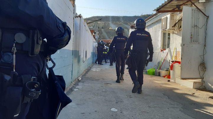 Desalojadas 25 personas de un local de ocio de la Cañada Real